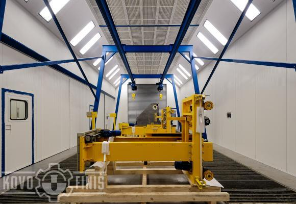 Paint booth with dry separation system